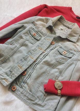 Идеальная светло-голубая джинсовая куртка пиджак