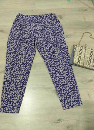 Легкие фирменные женские штаны. aphorism . англия