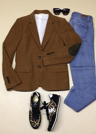 Шикарный пиджак с налокотниками