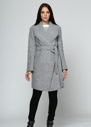 45266ccfea0 Женское осеннее весеннее демисезонное пальто на запах серое