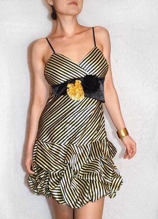 Glazza!! обалденное нарядное полосатое платье с цветами и пышной юбкой