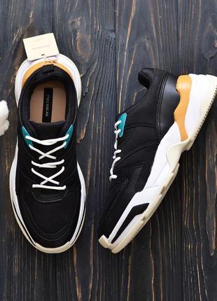 Эффектные кроссовки