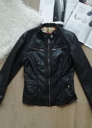 Черная кожанка, эко кожа куртка