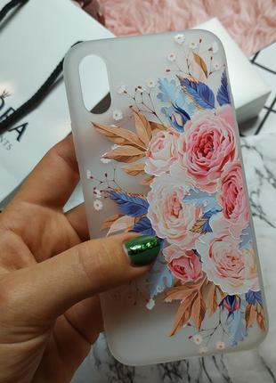 Новый красивый силиконовый чехол на iphone x