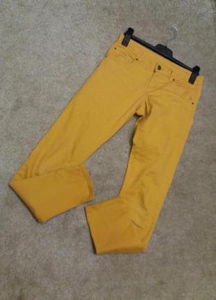 Яркие джинсы-бренд--esmara--12h