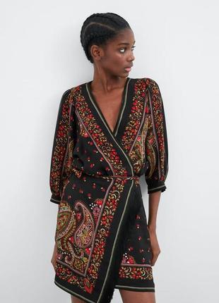 Платье на запах zara оригинал с принтом вышивка на плясе с бахромой