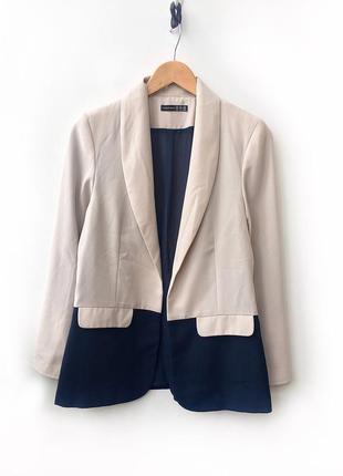 Двухцветный пиджак