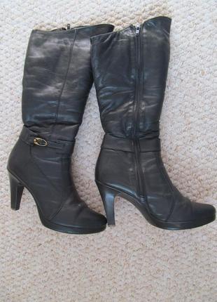 Сапоги кожаные черные на каблуке с овчиной