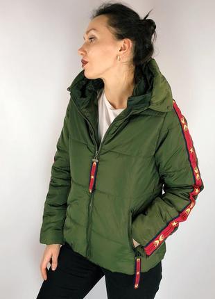 Весення куртка цвета хаки на синтепоне