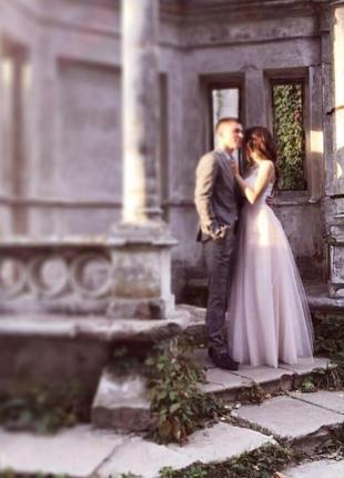 Свадебное платье в пол белое пышное с розовым фатином подкладка сеточка на шнуровке