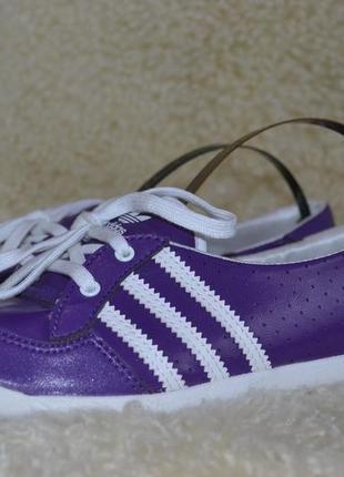 Adidas 36-37р кожаные кроссовки оригинал.