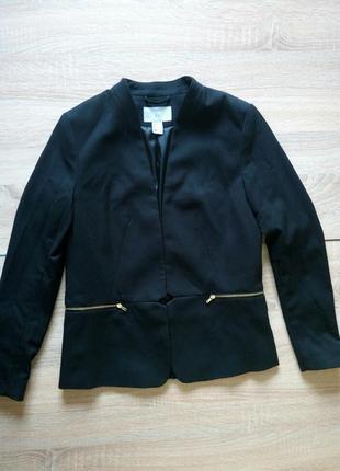 Черный приталенный пиджак h&m