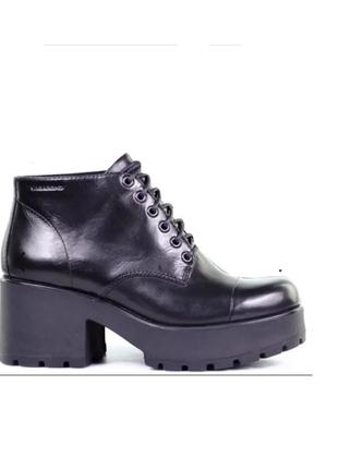 Ботинки на шнуровке vagabond. 41 размер
