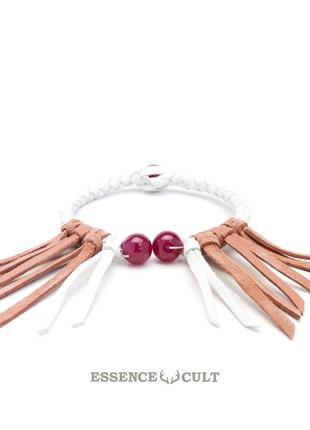 Женский кожаный браслет с рубином