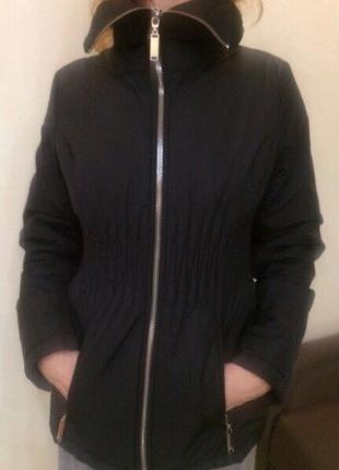Курточка демисезонная чёрного цвета фирмы lawine by savage