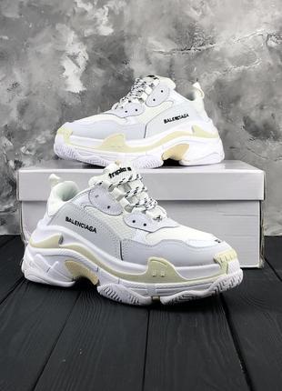 Белые массивные кроссовки унисекс balenciaga triple s