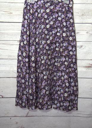 Красивая расклешенная юбка миди в цветочный принт
