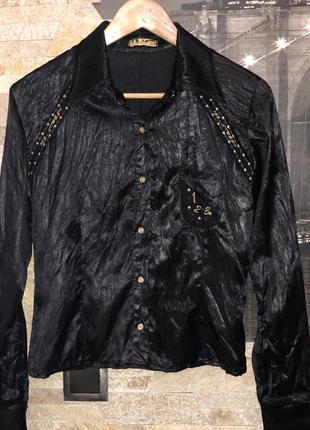 Красивая черная рубашка