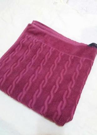 Добротное махровое полотенце 135см на 68см