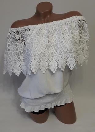 Шикарная блуза с кружевной отделкой