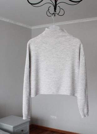 Коротенька кофта сірого кольору