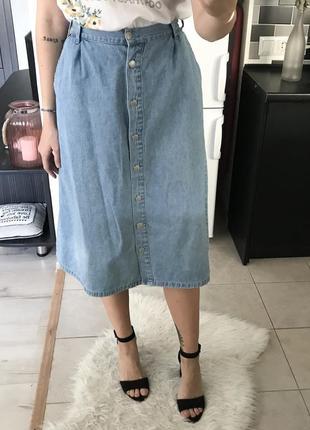 Джинсовая миди юбка на пуговицах damart