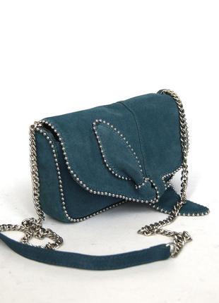 Zara. изысканная замшевая сумка на цепочке