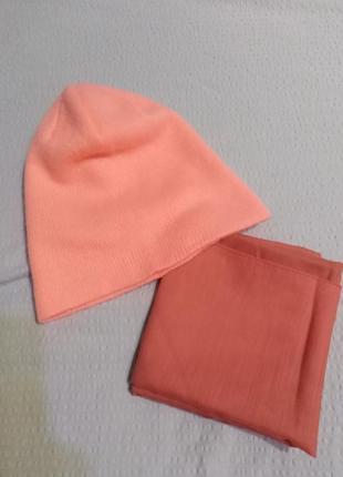 Двойная коралловая шапочка h&m + в подарок-  коралловый платок.