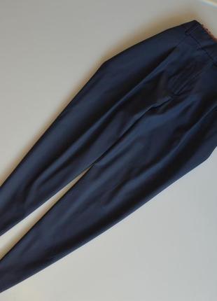 Самые актуальные брюки бананы esprit