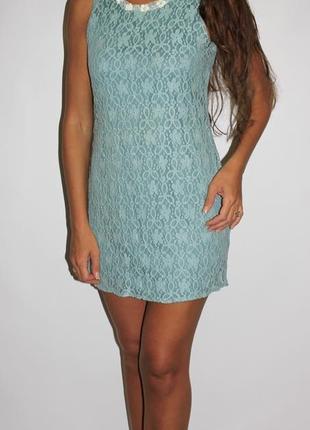Кружевное платье (горловина красиво обшита )