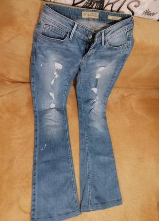 Модные джинсы guess