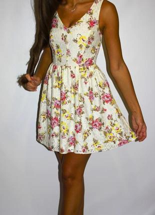 Кружевное платье, прекрасное качество -- срочная уценка платьев 300ед  --