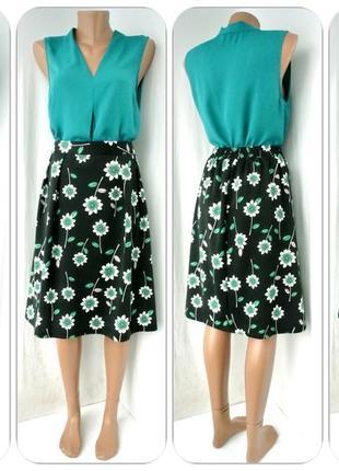 Стильная пышная юбка миди tu с ромашками. размер uk 22(наш 54-56).