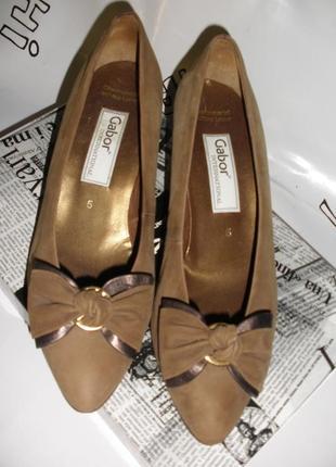 Аккуратные классические туфли лодочки gabor с бантиками