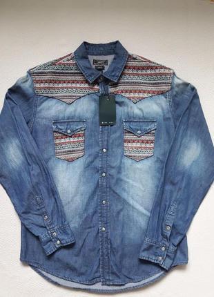 Брендовая стильная джинсовая рубашка с потёртостями принт орнамент zara man
