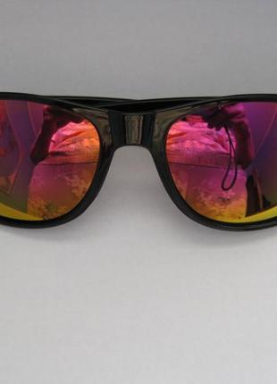 1.очки солнцезащитные,зеркальные