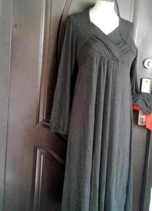Серое вискозное трикотажное платье, м.