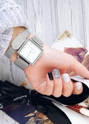 Шикарные часы с белым циферблатом в стиле rosefield в упаковке. годинник.