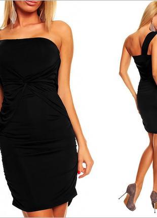 Облегающее платье черного цвета