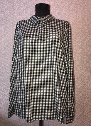 Тепленькая рубашка с пуговицами на спине в клетку4 фото