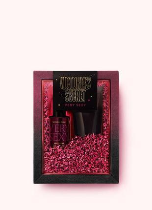 Подарочный набор от victoria's secret мист+ лосьон very sexy