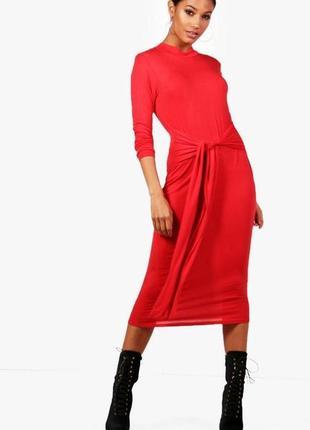 Boohoo. товар из англии. красное миди платье с широким поясом. на наш размер 42
