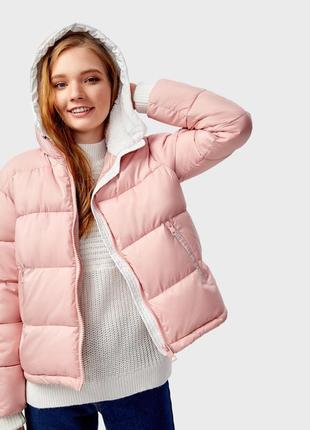 Очень теплая розовая куртка с искусственным мехов в капюшоне ostin