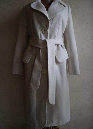 Трендовое итальянское пальто миди молочного цвета