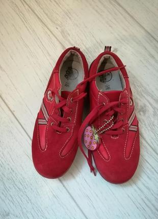 Шикарные кроссовки,туфли для девочки tapsy