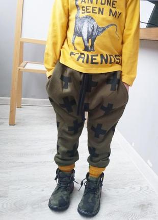 Спортивные штаны брюки гаремы хаки в кресты с мотней теплые с начесом