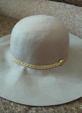 Жіноча шляпа