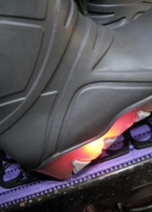 Lupilu (италия) 28р.(18см) резиновые сапожки со светящейся подошвой