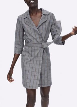 Платье пиджак zara оригинал в клетку клетчатое на поясе серое