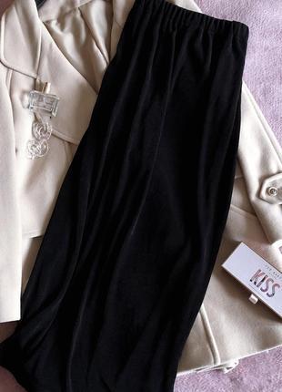 Чёрная юбка в пол на резинке с вырезом